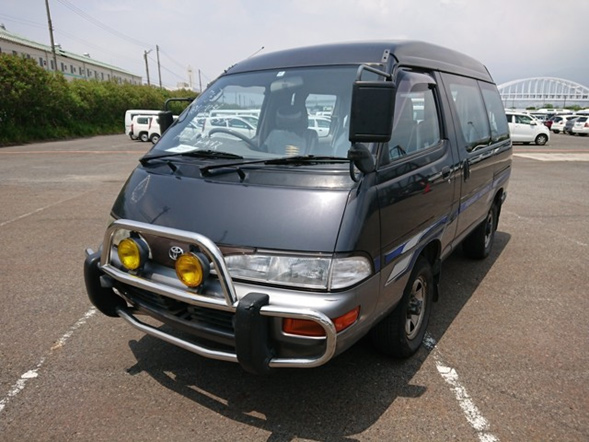JDM van people mover 4wd camp 5 speed eight seats