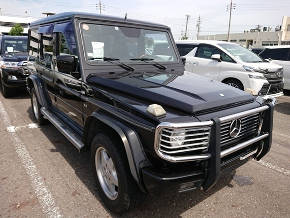 Luxury European cars German luxury win at dealer auction in Japan import export