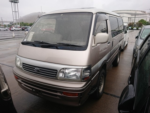 Japanese vans 4wd turbo diesel engine camping conversion comfort JDM import export Japan
