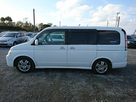 Japanese vans trucks cars for cheap export port inland transport DIY import low mileage mpg