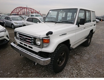 Excellent condition low mileage 4wd suv power performance import export japan