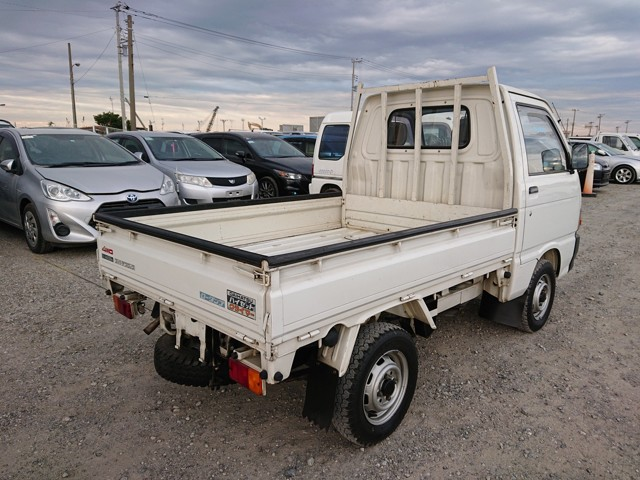JDM 4wd Dump bed Kei Mini truck MT low mileage 25 years old USA import export auction climber diff lock