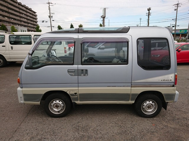 Low cost JDM Supercharger 4wd Kei van MT Double sunroof Import Export today