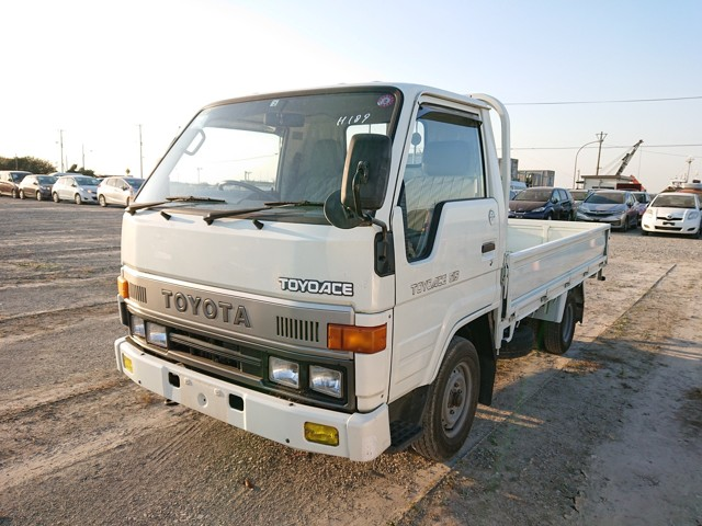 JDM work truck Double rear wheels AC low kms mileage good condition Diesel 25 year rule USA