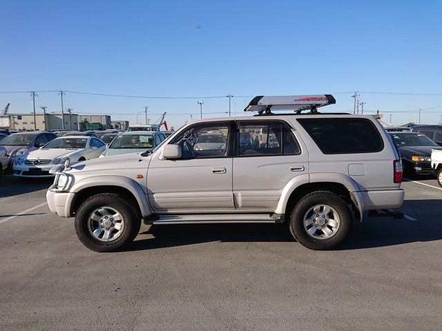 Great condition Low Mileage Tough reliable 4WD diesel 5MT buy and sell JDM Great prices Import Export straight to your door